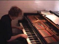 Jeroen van Veen plays Philip Glass, Mad Rush